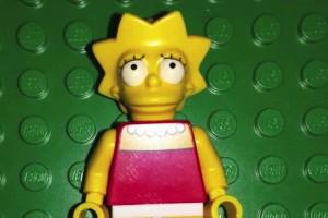 LEGO Simpsons Lisa