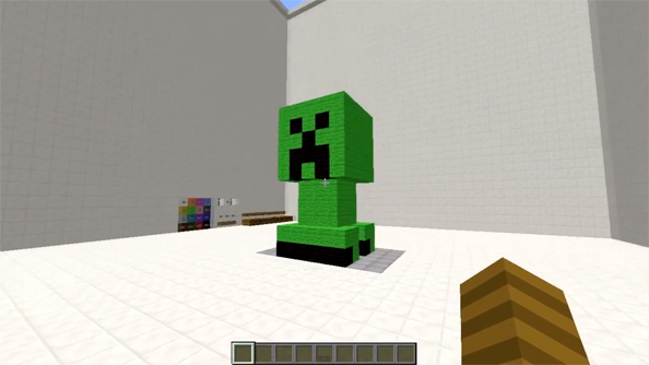 Check out this incredible Minecraft 3D printer