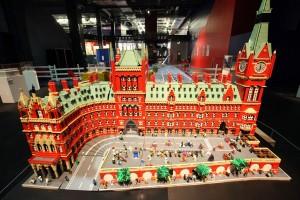 Lego Brick City - St Pancras Station 02