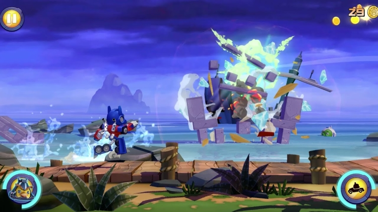 First look at Angry Birds Transformers in action!