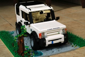LEGO Land Rover 01