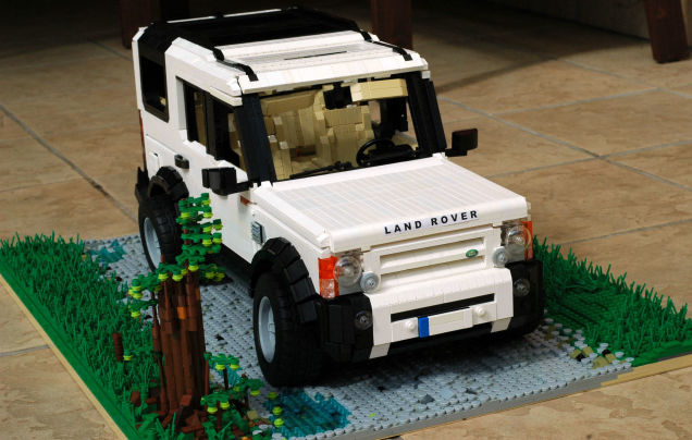 LEGO Land Rover Discovery 3 is awesome