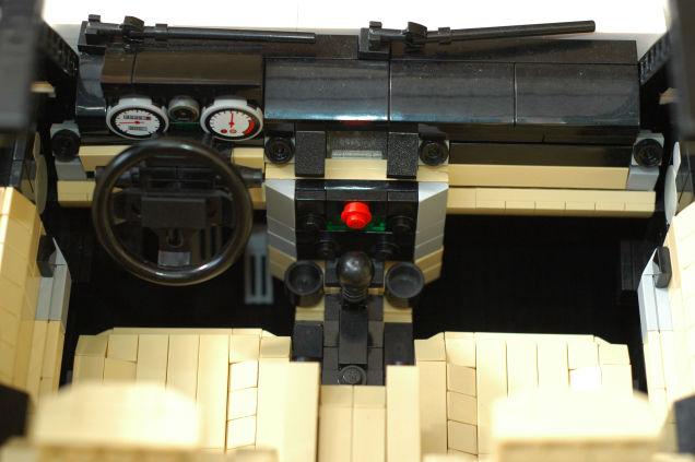 LEGO Land Rover 03