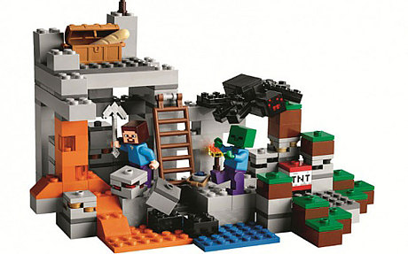 See all 922 pieces of LEGO Minecraft's The Mine