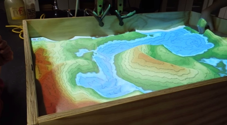 Minecraft for real – a sandbox game made from sand