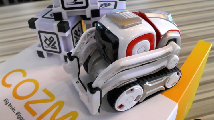 Cozmo is an intelligent robot that will fake you out